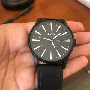 Nixon Sentry Leather Watch 42 mm